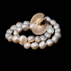 14K - Sweetwater Pearls Necklace -  Twisted  disk Pendant