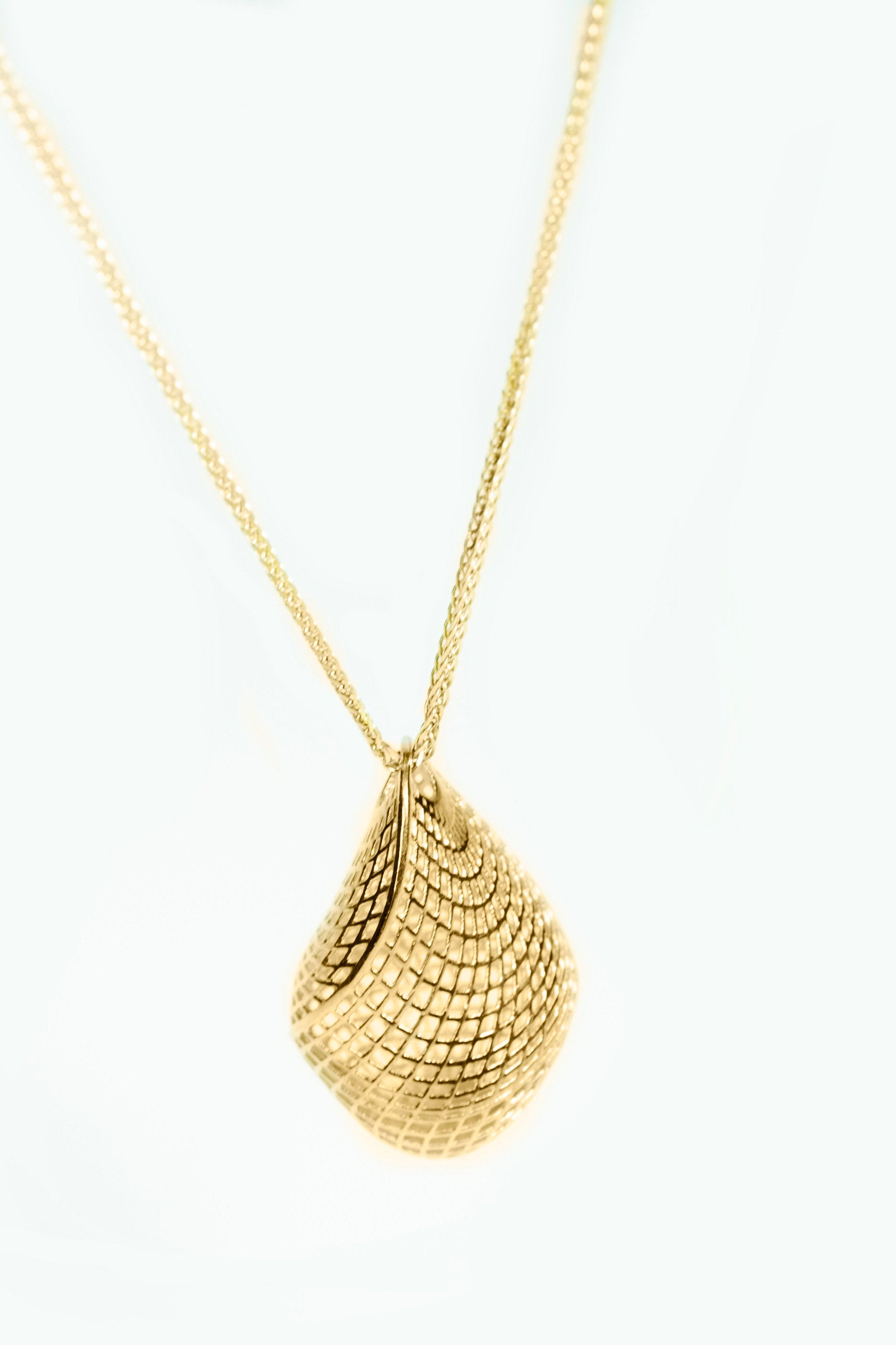 18k - Unique  Contemporary,  Statement Pendant for Women