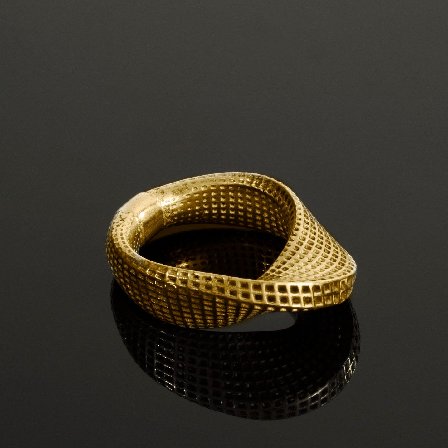 RING 14K yellow gold - Slim Mobius #1
