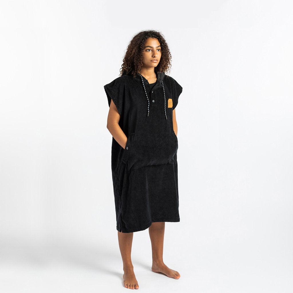Slowtide The Digs Changing Poncho-BLK