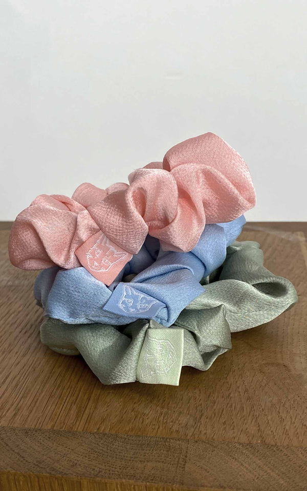 PASTEL CLUB SCRUNCHIES