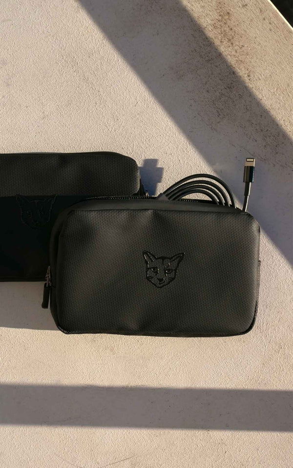 BLACK ACCESSORIES CLUB POUCH