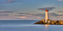 Load image into Gallery viewer, Le Pic du Canigou et le Phare Rouge