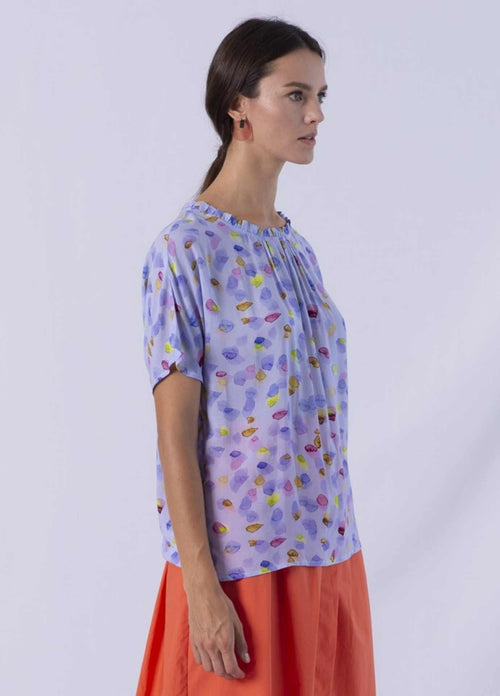 anonyme A121st044 lavender blue disty high neck top with short sleeves from side