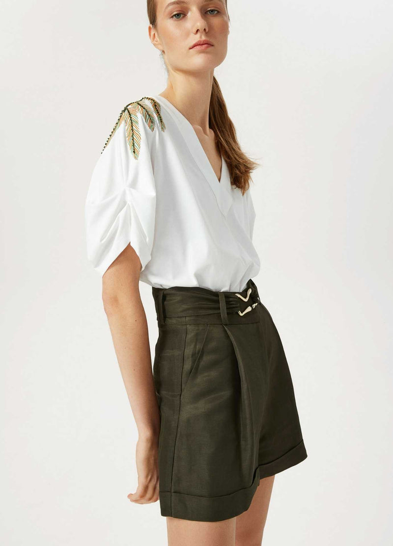 Exquise-Womens-Linen-Pleated-Khaki-Green-Shorts-With-Belt-From-The-Side