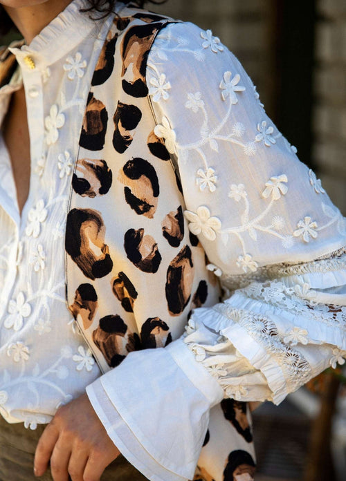 Fabienne-Chapot-Leo-White-Cream-Blouse-With-Ruffle-Lace-Sleeves-With-Lace-Flowers-Ribbon-Rouge