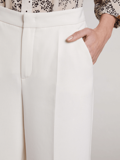 Oui-71906-White-Ladies-Cropped-3_4-Length-Wide-Leg-Trousers-With-Pockets-Ribbon-Rouge