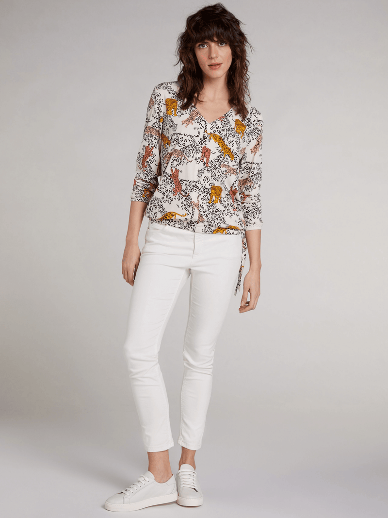 Oui-NEW-SS21-72173-Cream-Leopard-And-Tiger-Print-Ladies-Blouse-On-Model-Outfit-Ribbon-Roug