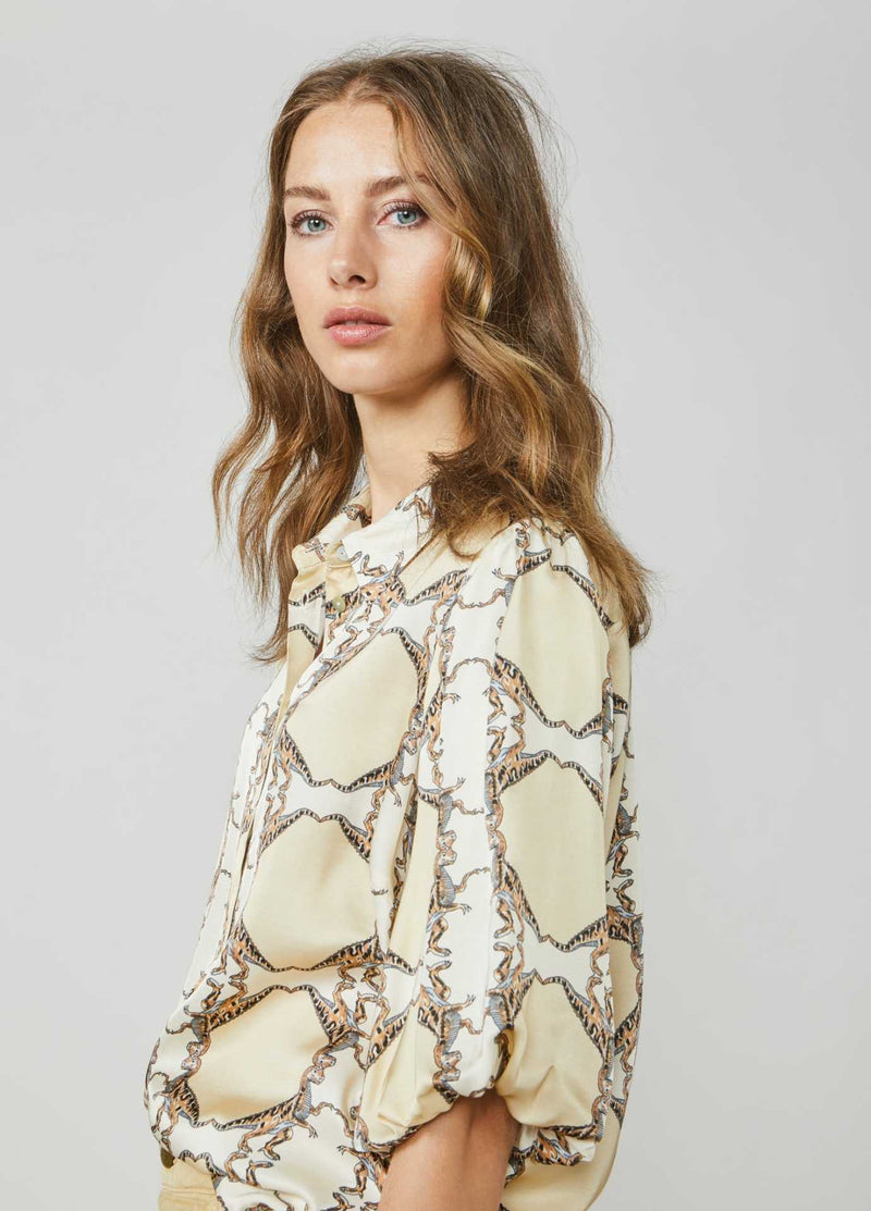 Summum-Woman-2S2577-11383-Retro-Dinosaur-Print-Shirt-From-Side