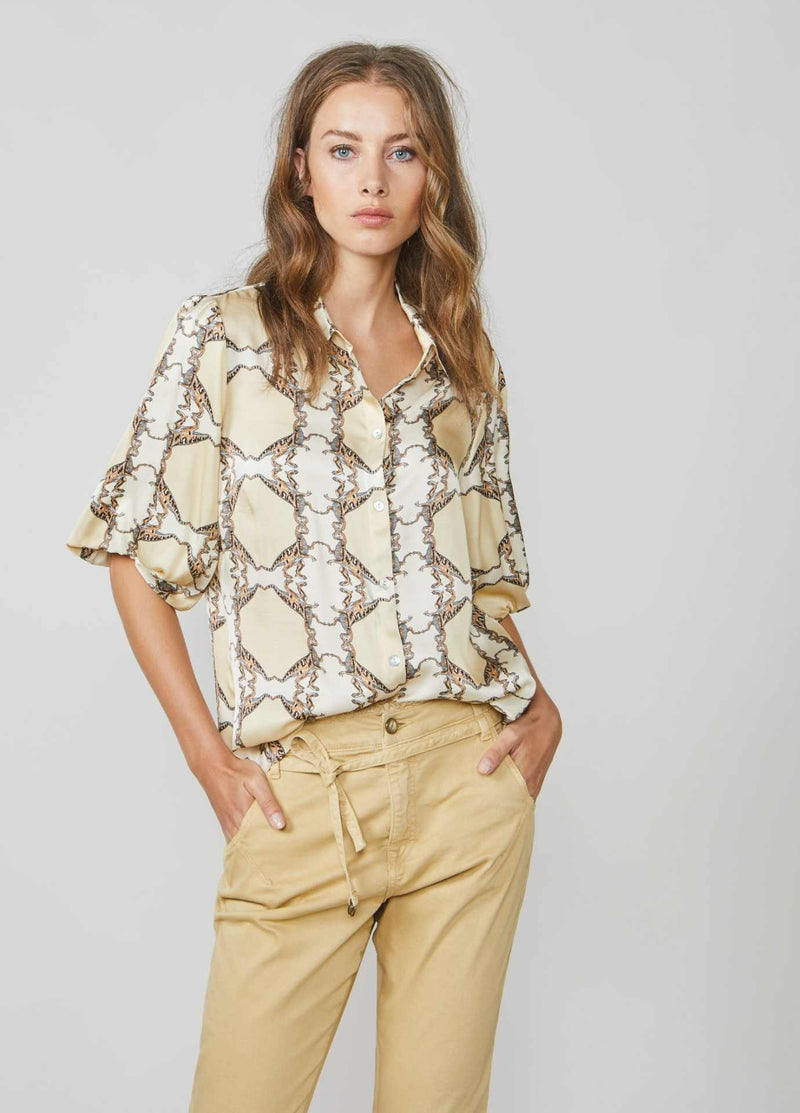Summum-Woman-2S2577-11383-Retro-Dinosaur-Print-Short-Sleeve-Shirt