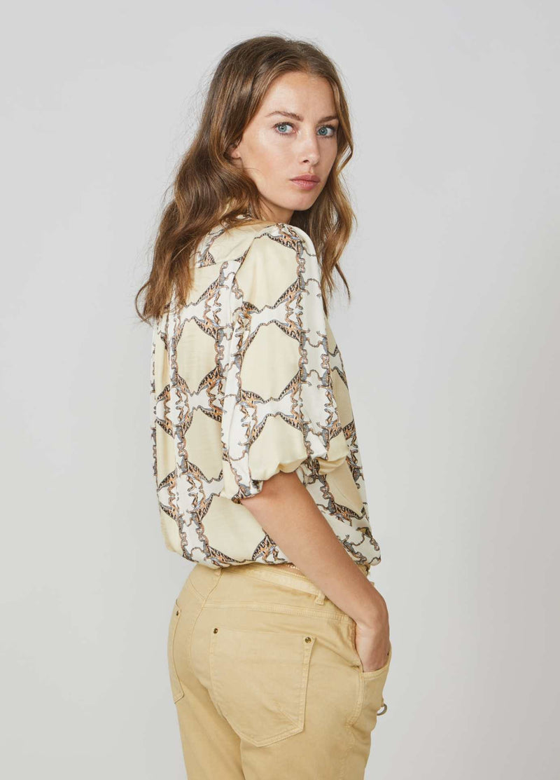 Summum-Woman-2S2577-11383-Retro-Dinosaur-Print-Summer-Short-Sleeve-Shirt-From-Back