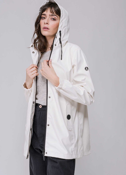 Tanta-Rainwear-Baisteach-Waterproof-Womens-summer-Raincoat-With-Hood-In-White