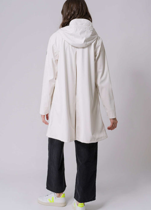 Tanta-Rainwear-Nuovola-Off-white-Waterproof-rain-Jacket-with-hood-Back