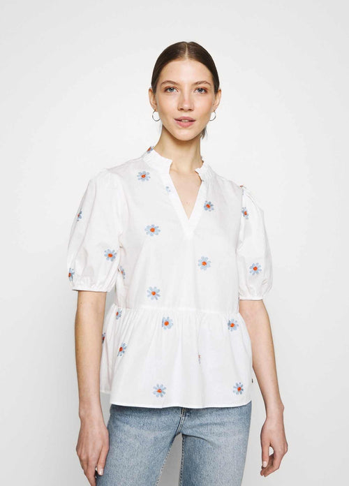 numph nubloomy white embroidered floral print womens v neck top