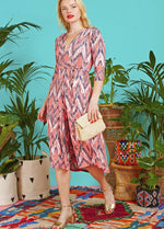 Onjenu Amy Coral Print V-Neck Zig Zag Print 3/4 Sleeve Dress Ribbon Rouge Outfit