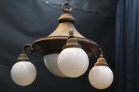 It is four lights type chandelier DB6766 with the attractiveness in gentle curve trainers
