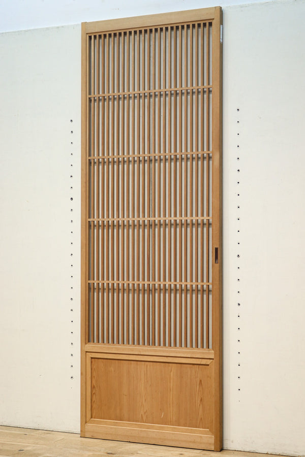 667 mm wide, a lattice door with a delicate surface and a warm wood color, F7282, set of 4