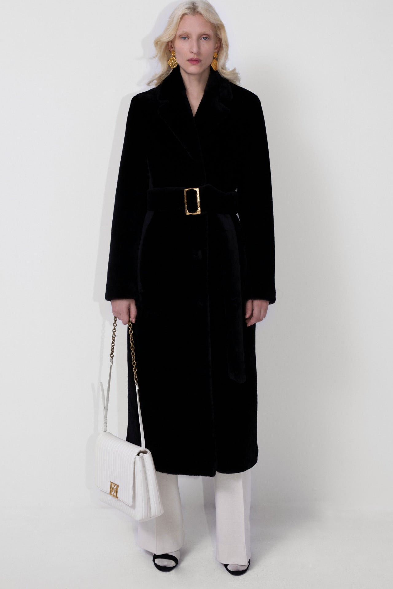 ESCADA Fall/Winter 2020 Black classic coat with golden buckle