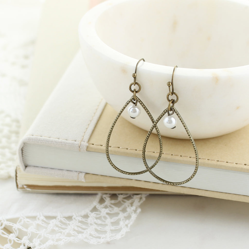 Vintage Style Teardrop w/ Pearl Earrings