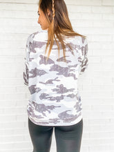 Load image into Gallery viewer, Wannabe Camo Top