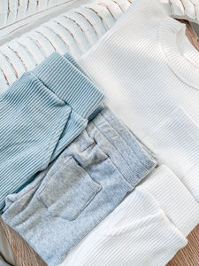 BASIC SWEATS - DUSTY BLUE