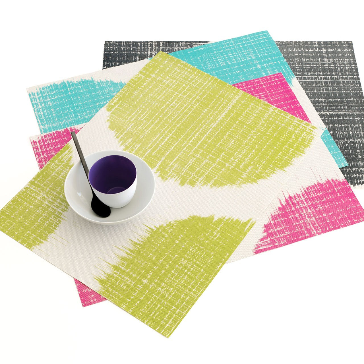 chilewich_brush_dot_placemat_main__11527.1360352520.1280.1280