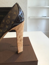 Load image into Gallery viewer, Louis Vuitton heels 7