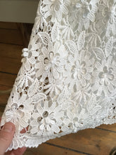 Load image into Gallery viewer, Alice Olivia skirt (6)