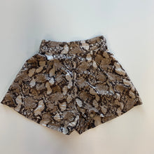 Load image into Gallery viewer, H & M Shorts // Size 0