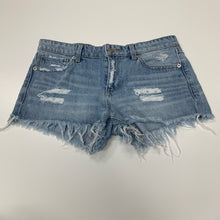 Load image into Gallery viewer, Lucky Brand Shorts // Size 3/4