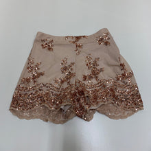 Load image into Gallery viewer, Charlotte Russe Shorts // Size Small