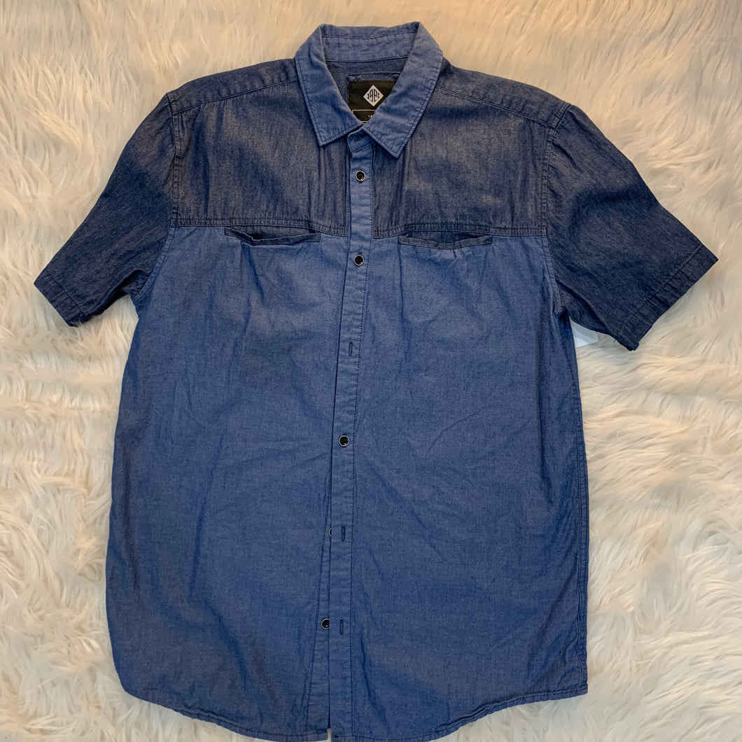 Guys Denim Short Sleeve // Size Large