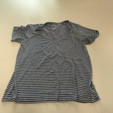 Load image into Gallery viewer, American Eagle Short Sleeve // Size Small