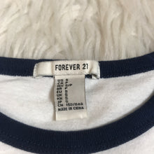 Load image into Gallery viewer, Forever 21 T-Shirt // Size Small