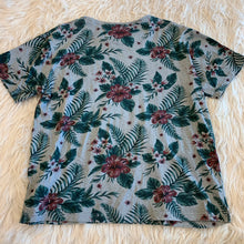 Load image into Gallery viewer, Denim Flower Men's Short Sleeve // Size Large