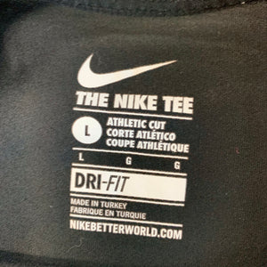 Nike Short Sleeve // Size Large