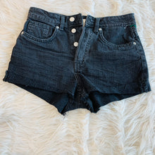 Load image into Gallery viewer, H&M Shorts // Size 3/4 (27)