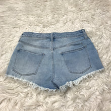 Load image into Gallery viewer, Mossimo Shorts // Size 7/8