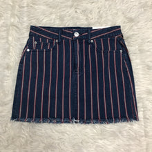 Load image into Gallery viewer, American s Eagle Skirt // Size 5/6 (28)