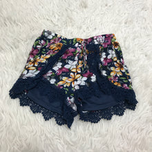 Load image into Gallery viewer, Love Riche Shorts // Size Small