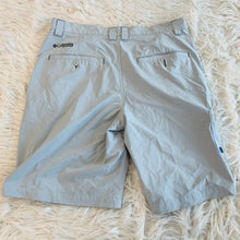 Load image into Gallery viewer, Columbia Shorts // Size 32