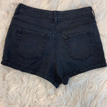 Load image into Gallery viewer, Bullhead Shorts // Size 9/10 (30)