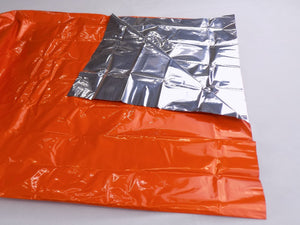 Survival - Compact Outdoor Survival Kit Two Sided Emergency Blanket - Wilderness Survival Systems : Picture