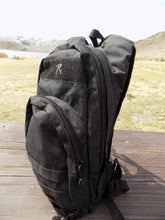 Load image into Gallery viewer, Survival - Hydration Pack - Wilderness Survival Systems : Picture