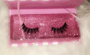 24K Sugar - Unsweetened 3D Mink Lashes - glitter lash box - very natural lash style