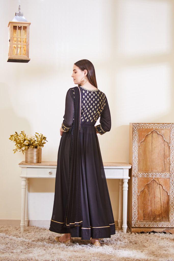 Black Anarkali Set.