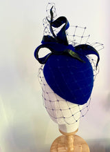 Load image into Gallery viewer, veiled twist bow felt hat