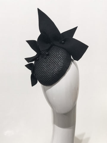 Black multi bow hat