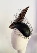 Load image into Gallery viewer, Leopard bow leather headpiece