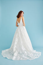 Load image into Gallery viewer, Lea-Ann Belter Wedding Dress Style Sofia - Shop Your Dream Bridal
